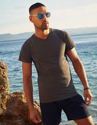 T-SHIRT HOMME COL V VALUEWEIGHT (61-066-0)
